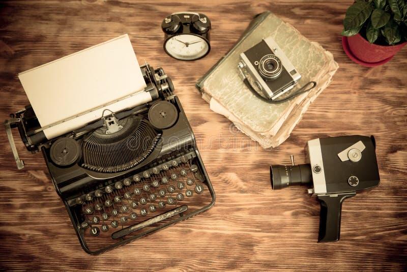 Retro- Schreibmaschine lizenzfreie stockfotografie