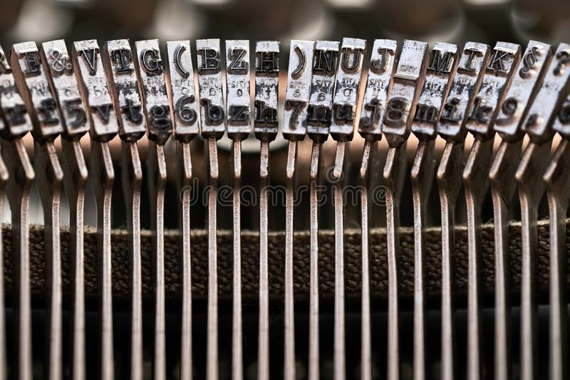 Retro- Schreibmaschine im Studio Makronahes hohes stockfoto