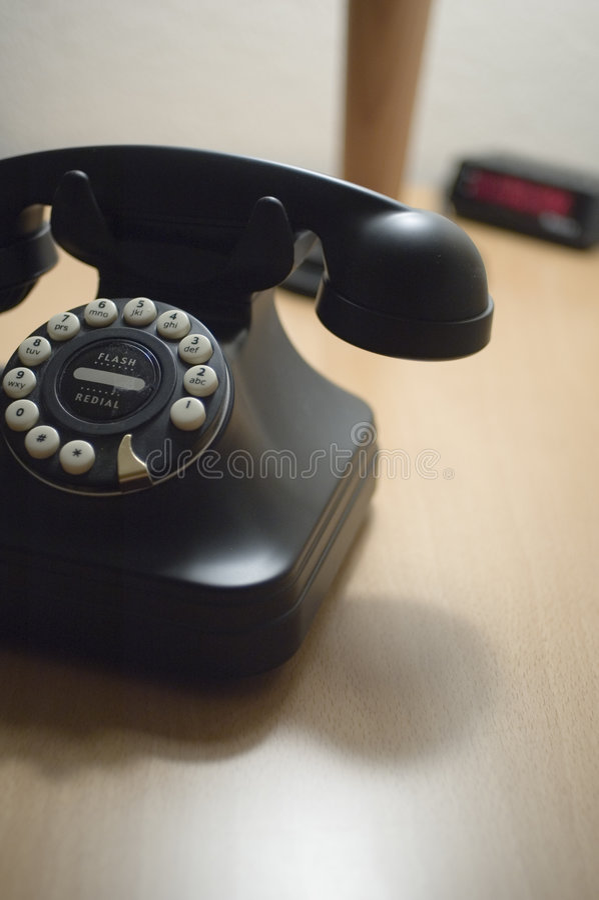 Retro- schwarzes Telefon lizenzfreie stockfotografie