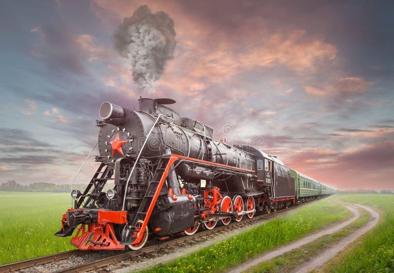 Retro Sovjetstoomlocomotief royalty-vrije stock fotografie
