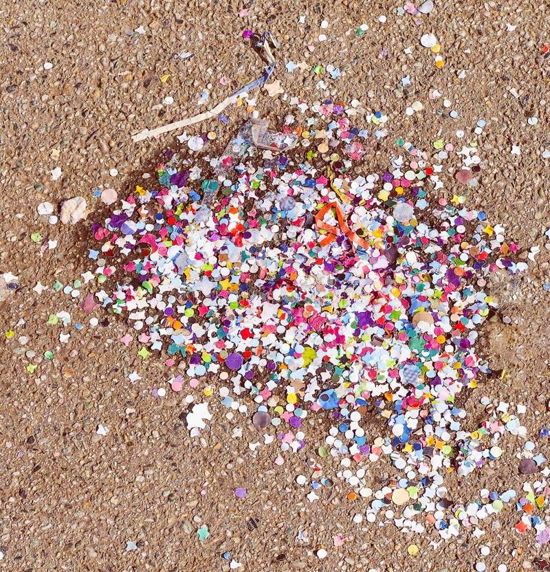 Download Retro Spojrzenie Karnawału Confetti Zdjęcie Stock - Obraz złożonej z kolor, confetti: 53784236