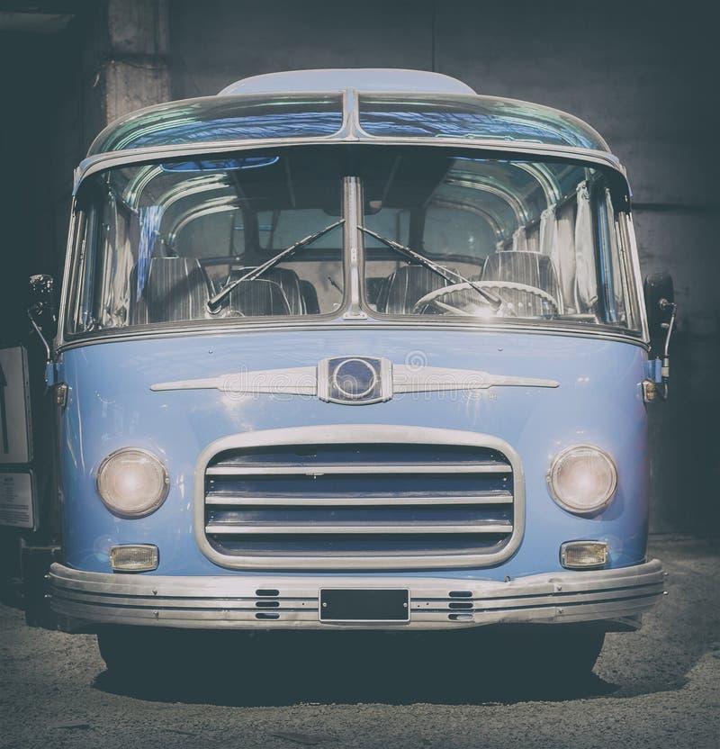 Retro stijlbus gestemd royalty-vrije stock afbeeldingen