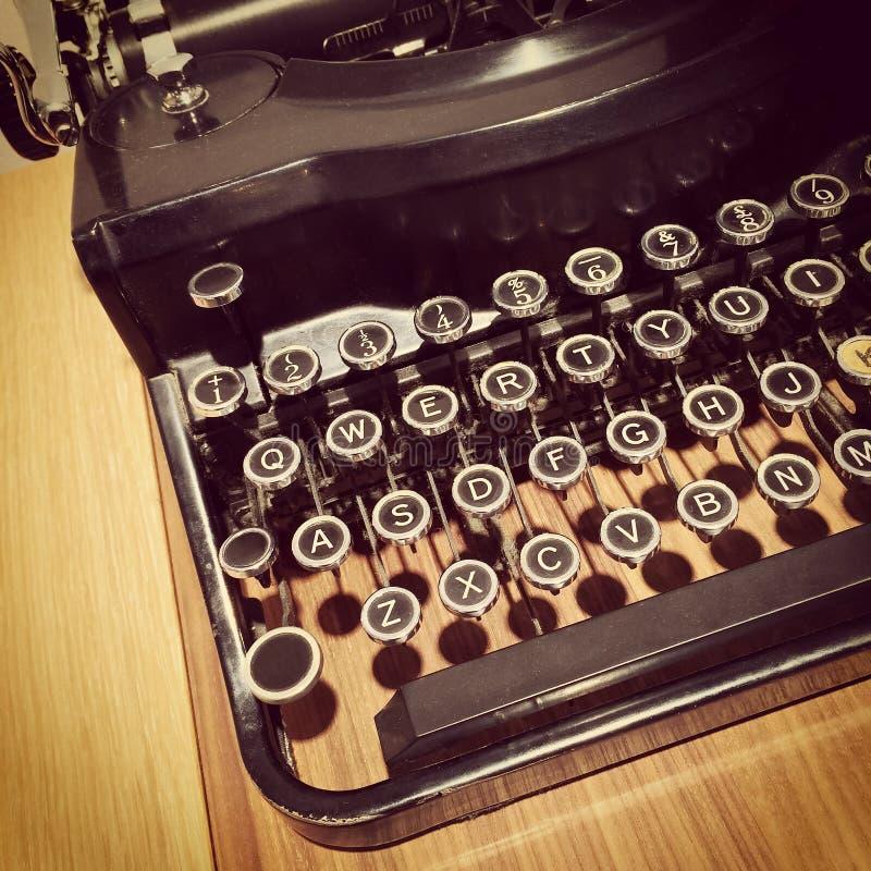 Retro Stijlschrijfmachine stock foto's