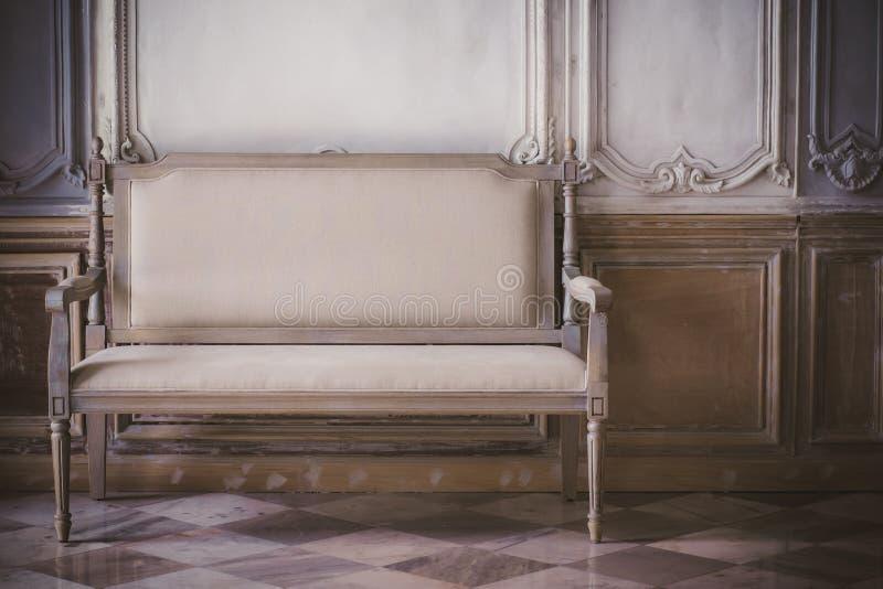 Retro- Stuhl der Weinlese lizenzfreie stockfotografie