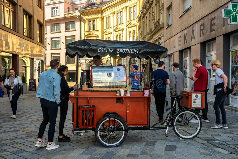 Retro stylowa mobilna rowerowa kawowa fura zdjęcie royalty free