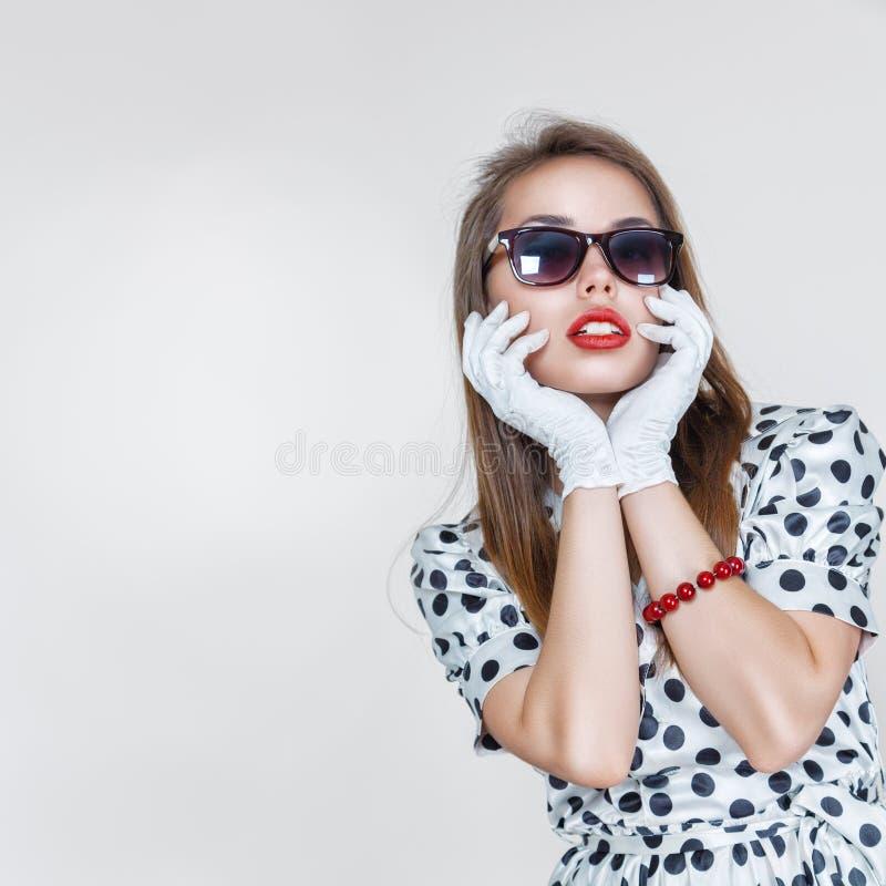Retro stylowa mody kobieta zdjęcie royalty free