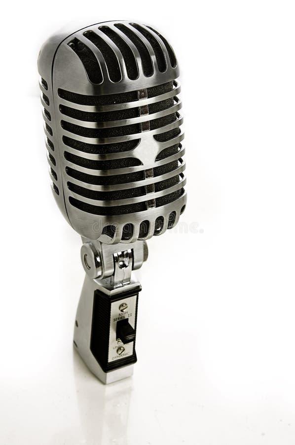 retro tappning för krommikrofon royaltyfria foton