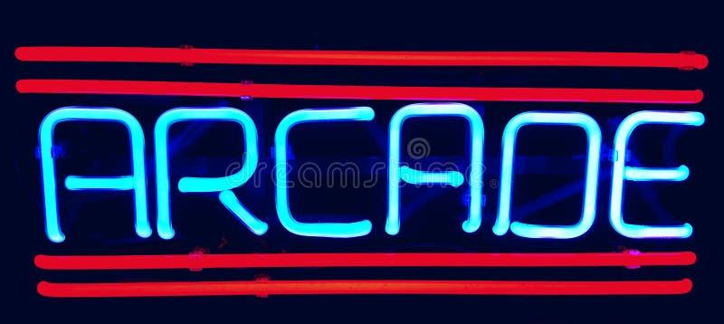 Retro teken van het arcadeneon stock foto's