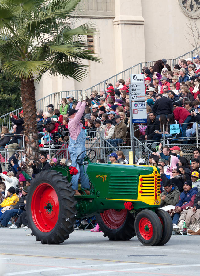 Download Retro Tractor In Rose Bowl Parade Editorial Image - Image: 28440555
