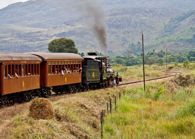 Retro treno in Minas Gerais Brasile immagine stock libera da diritti
