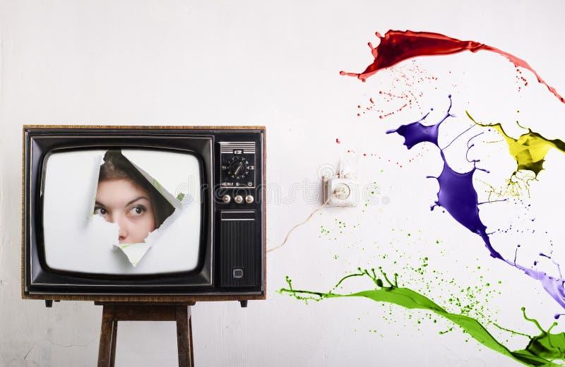 retro tv för färg arkivbild
