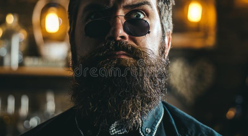 Retro uomo d'annata bello Alto vicino del fronte fotografia stock