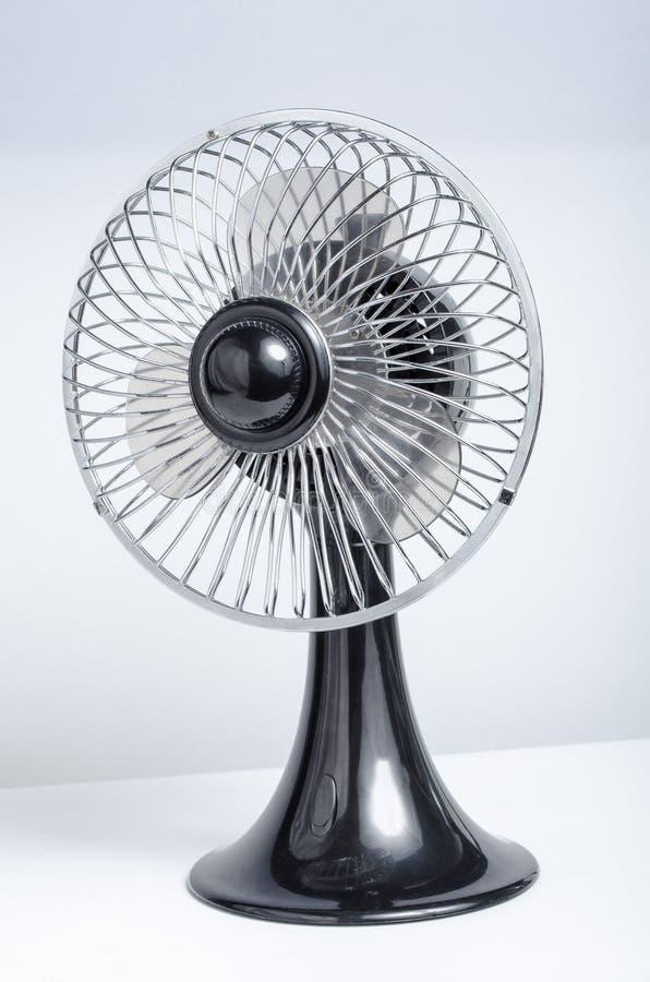 Retro ventilatore da tavolo immagini stock