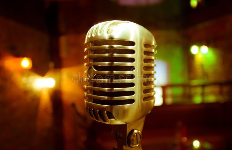 Retro vista del microfono immagini stock libere da diritti