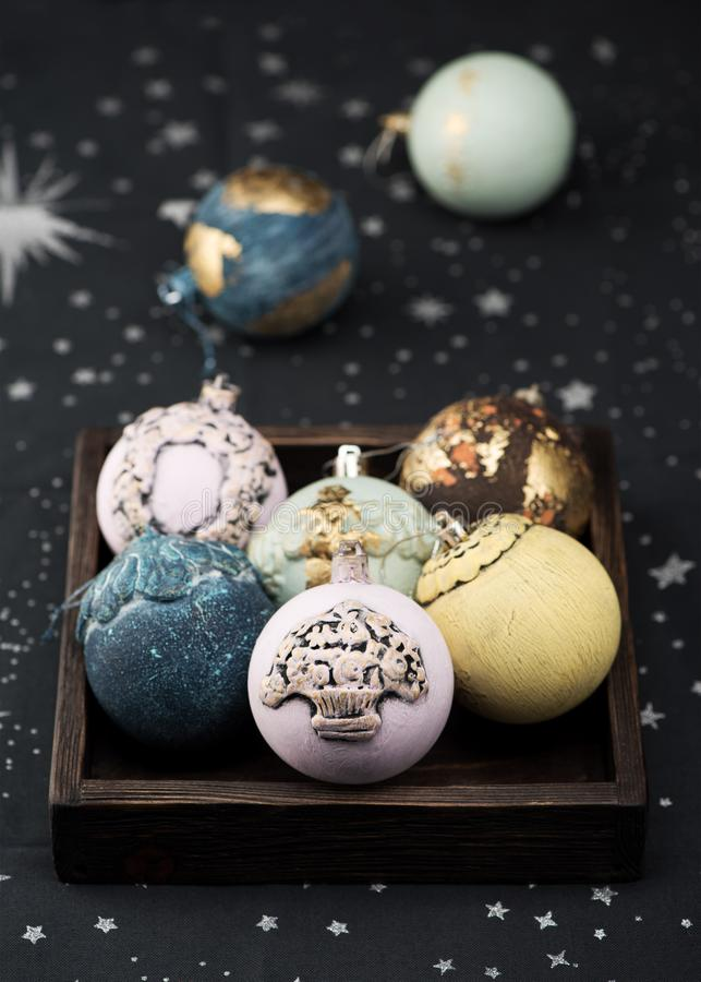 Retro- Weihnachtskugeln lizenzfreies stockbild