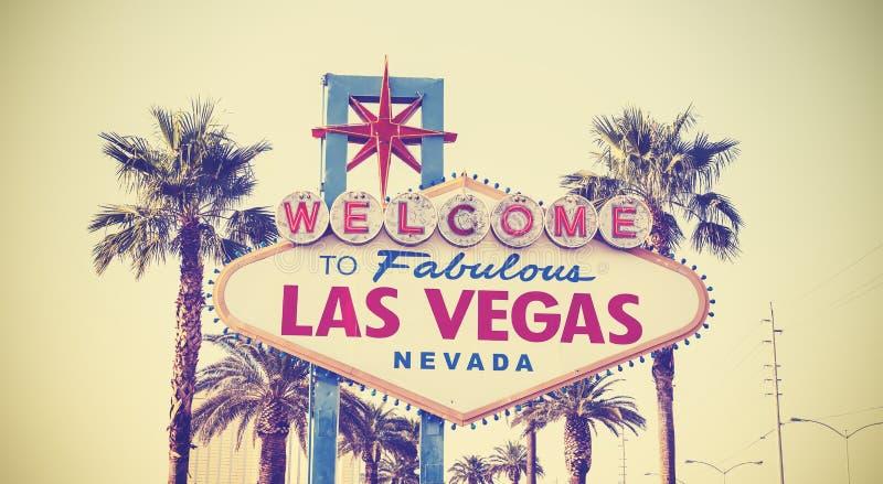 Retro- Weinlese getontes Willkommen zu Las Vegas-Zeichen stockfotografie