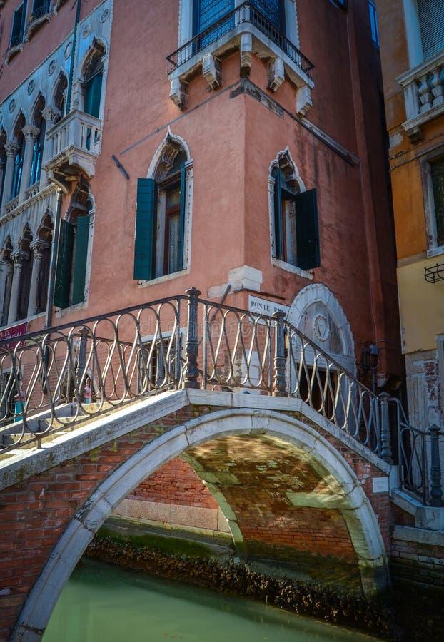 Retro Wenecja kanału most obraz stock