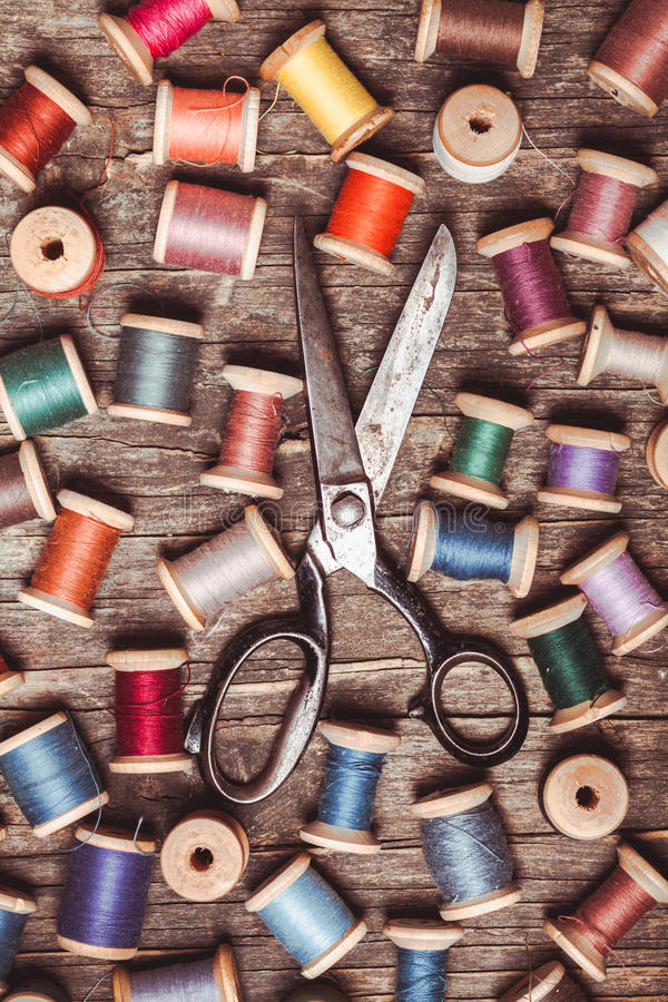 Free Retro Wooden Sewing Spools Royalty Free Stock Photos - 54884748