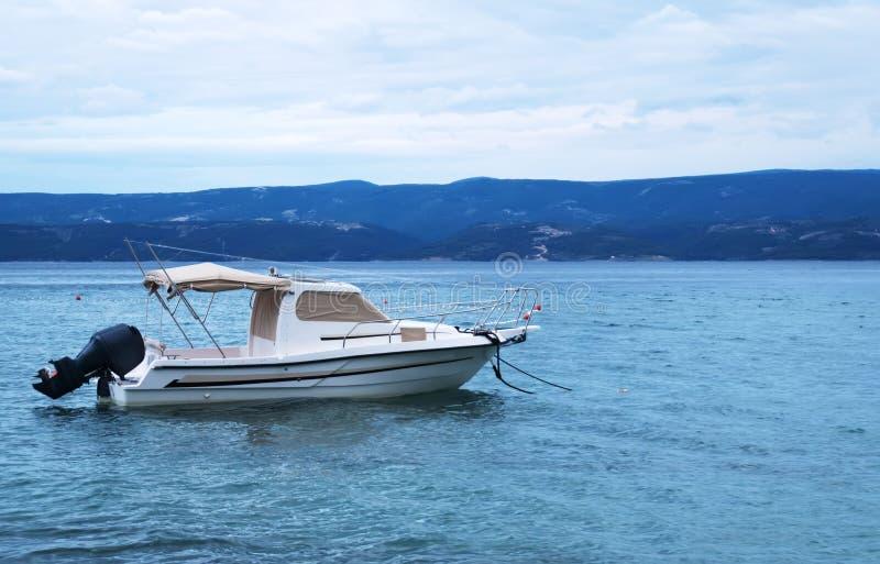 Rettungsmotorboot lizenzfreie stockbilder