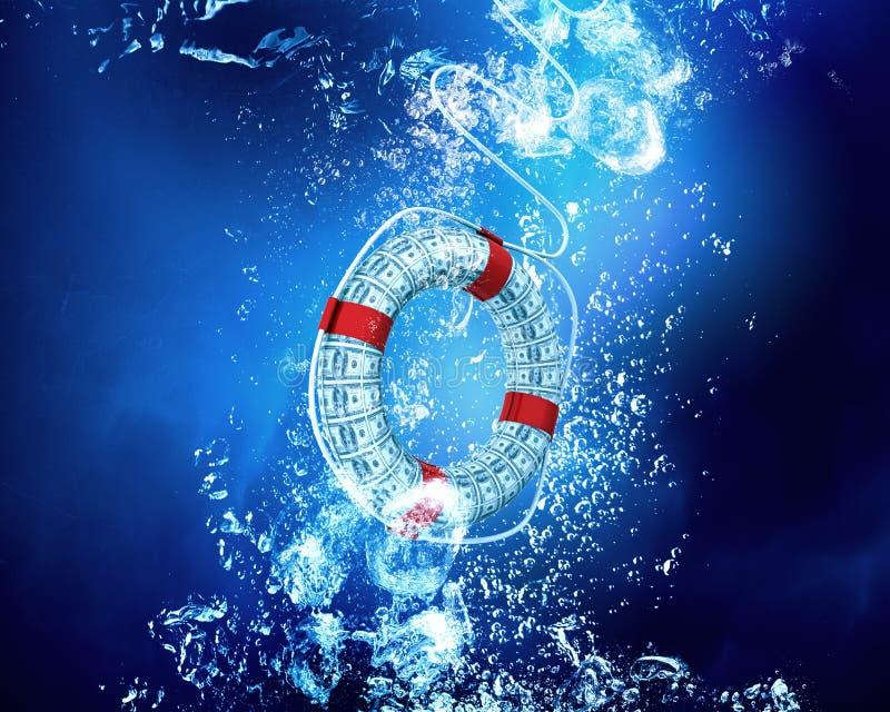 Rettungsring im blauen Meer lizenzfreies stockfoto