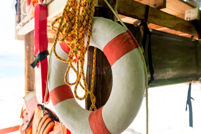 Rettungsring und Seilnahaufnahme stockfoto