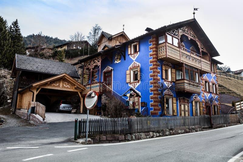 Returnera av den södra Tyrolen italy ortisei arkivbild