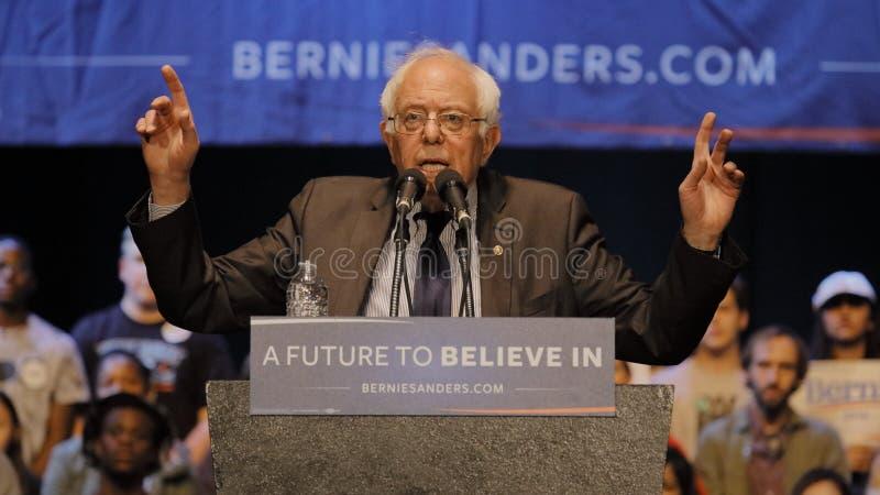 Reunião da campanha de Bernie Sanders Holds Los Angeles do candidato presidencial fotografia de stock royalty free