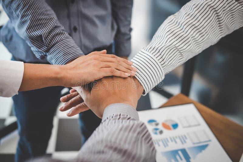 Reunião da parceria do negócio, imagem dos executivos que juntam-se à imagem de stock royalty free