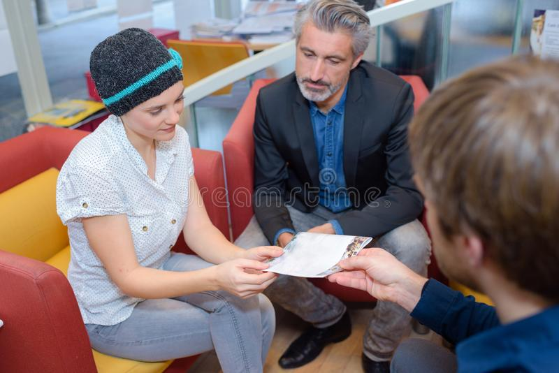 Reunião de Casula no escritório foto de stock