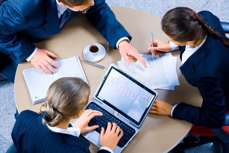 Reunião de funcionamento imagem de stock