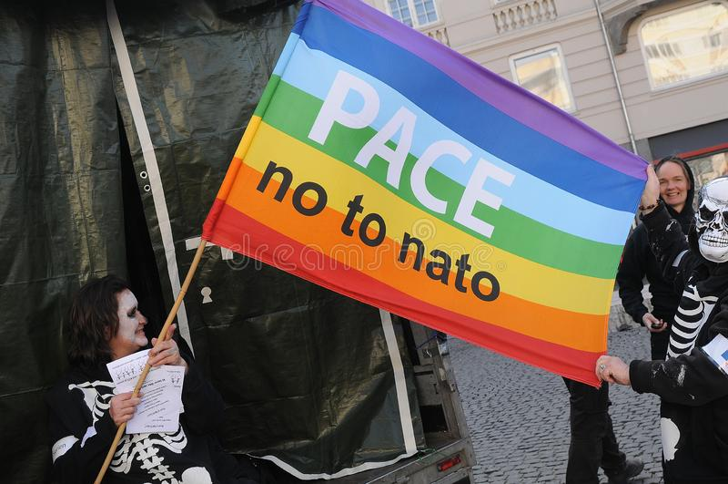 REUNIÓN DE LA PROTESTA NO A LA OTAN EN COPENHAGUE DINAMARCA fotografía de archivo libre de regalías