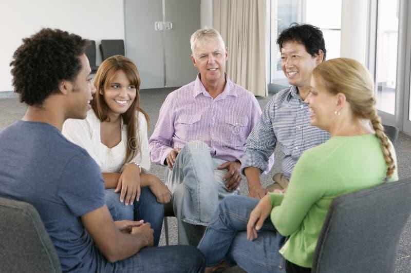 Reunión del grupo de ayuda fotografía de archivo