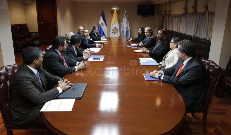 Reunión para la Creación de la Comisión para Dignificación de Adolecentes y Jóvenes tidos um direito penal foto de stock