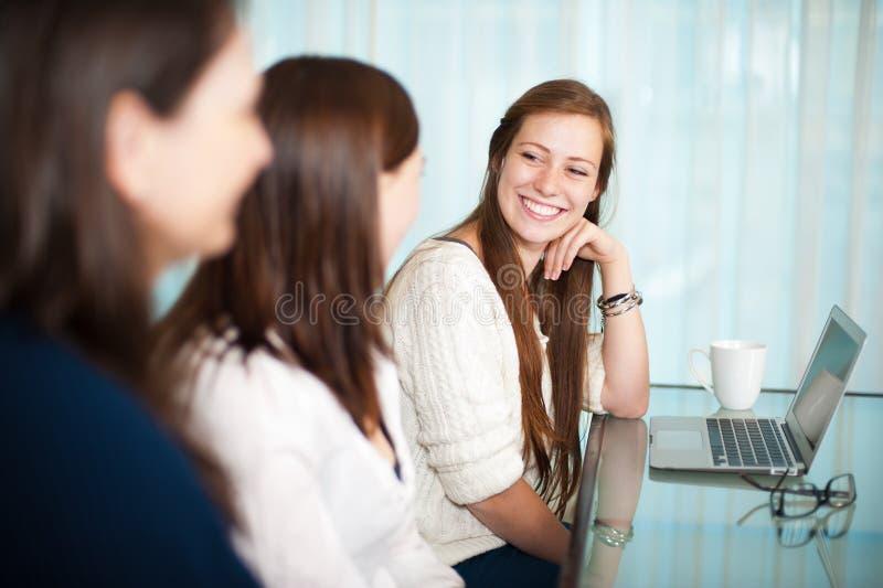 Reuniões das senhoras imagens de stock royalty free
