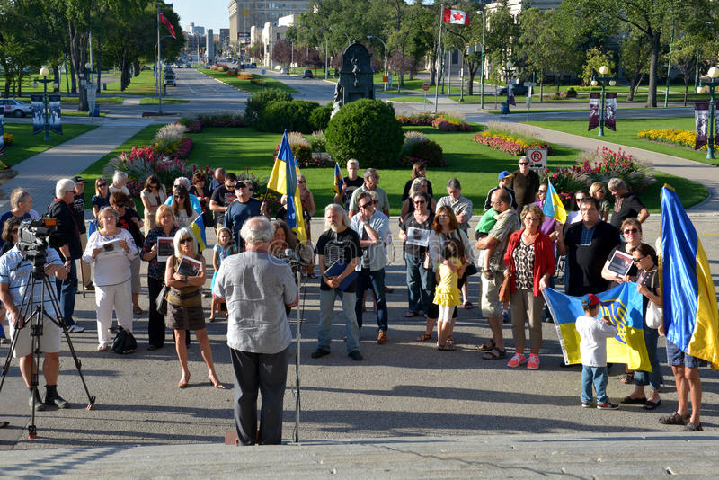 Reuniones ucranianas de la comunidad de Winnipeg para el cineasta encarcelado imagen de archivo libre de regalías