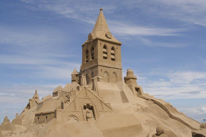 Reusachtig zandkasteel stock fotografie