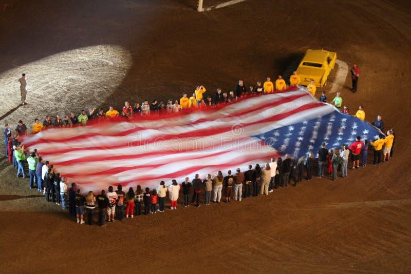 Reusachtige Amerikaanse vlag bij stadion royalty-vrije stock foto's