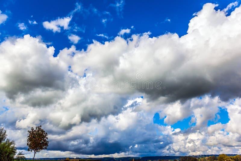 Reusachtige magische wolk royalty-vrije stock afbeeldingen