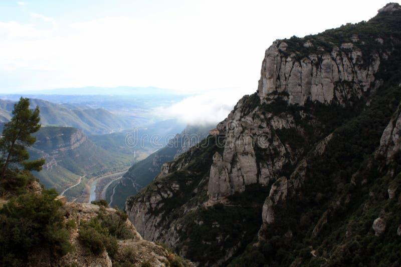 Reusachtige rots Montserrat stock fotografie