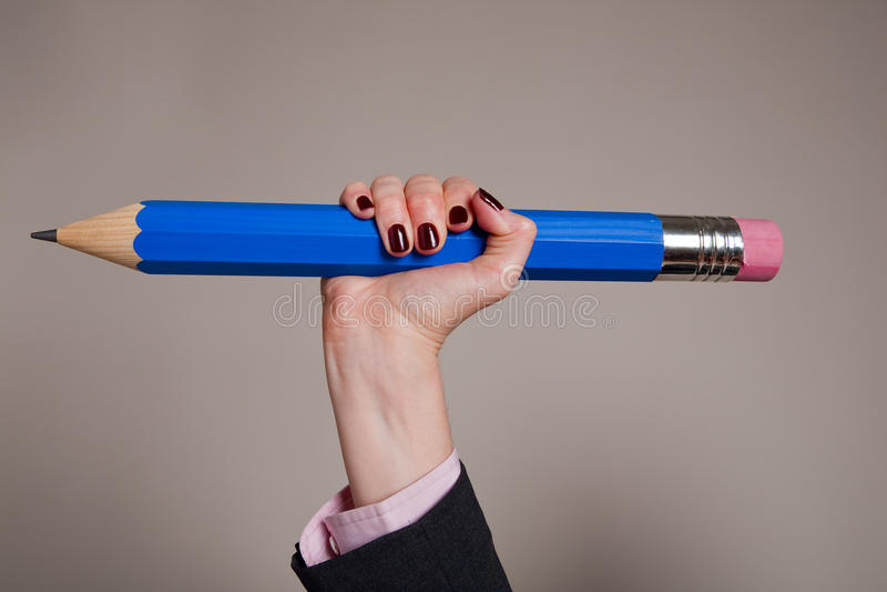 Reuze blauw potlood royalty-vrije stock fotografie