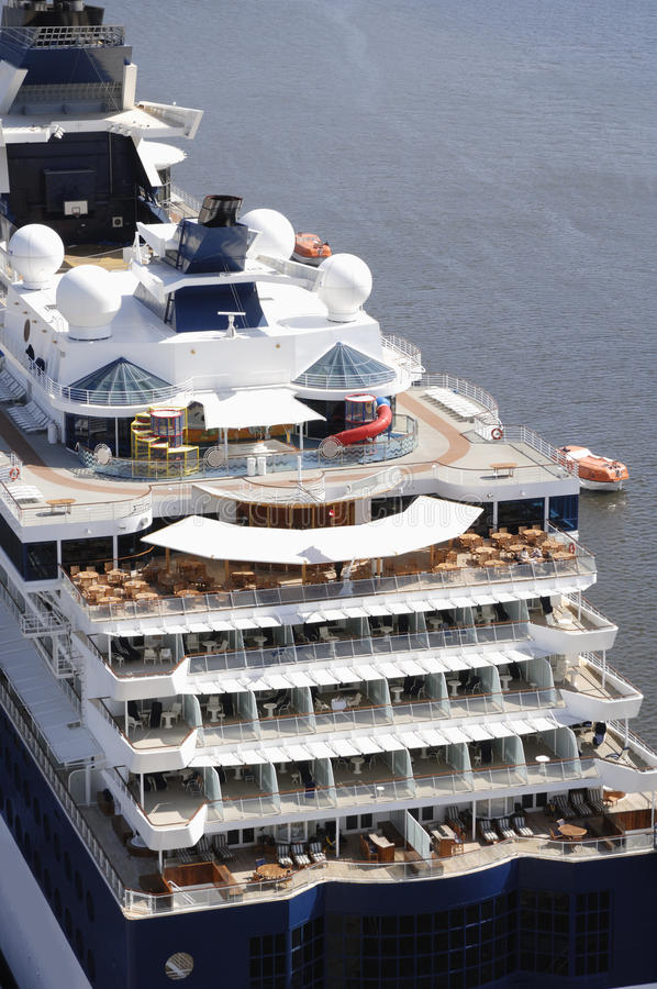 Reuze cruiseschip royalty-vrije stock fotografie