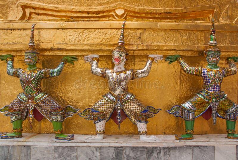 Reuzecijferbeeldhouwwerk in Grote Paleistempel, Bangkok, Thailand royalty-vrije stock afbeelding