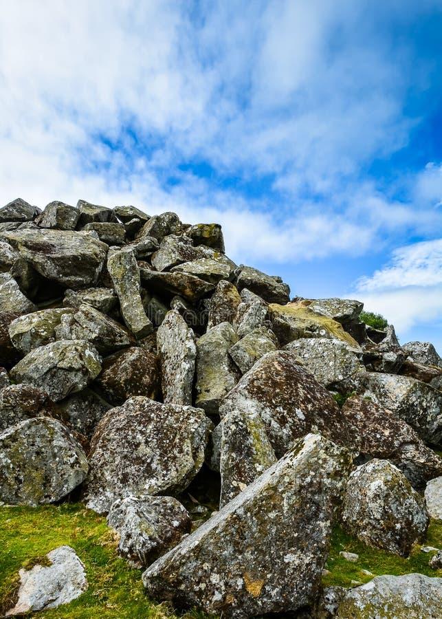 Reuzekeien in Dartmoor, Engeland stock foto's