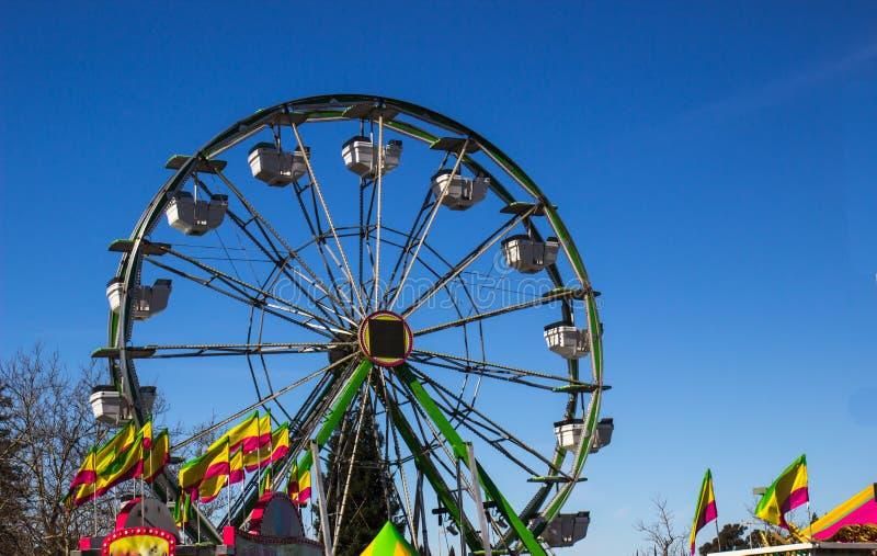Reuzenrad bij provinciemarkt royalty-vrije stock foto