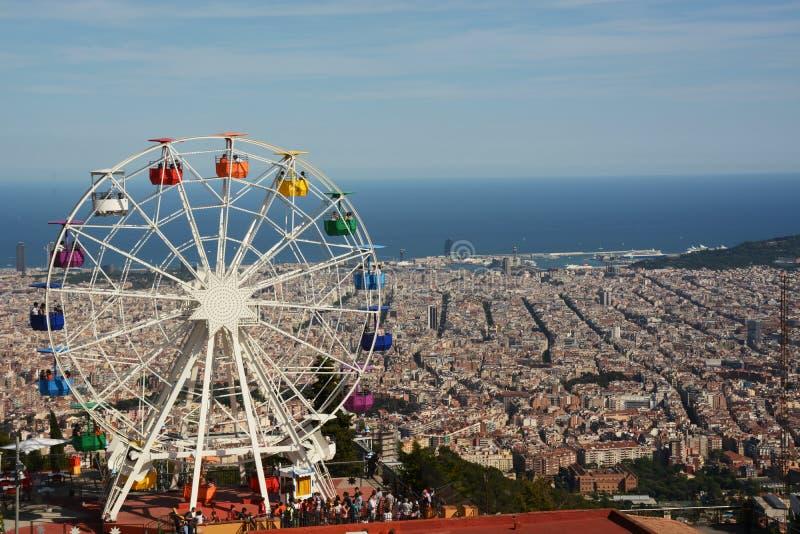 Reuzenrad op de berg Tibidabo in Barcelona stock fotografie