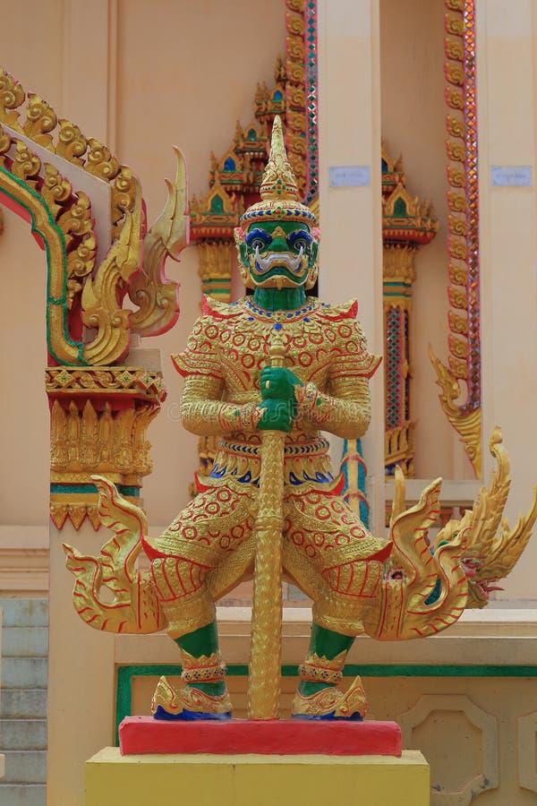 Reuzensculture in tempel van Kalasin, Thailand stock afbeelding