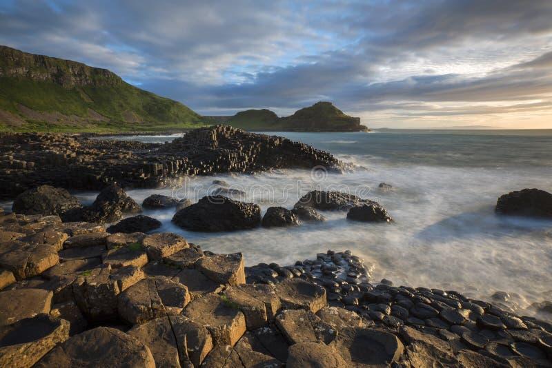 Reuzenverhoogde weg - Provincie Antrim - Noord-Ierland stock fotografie