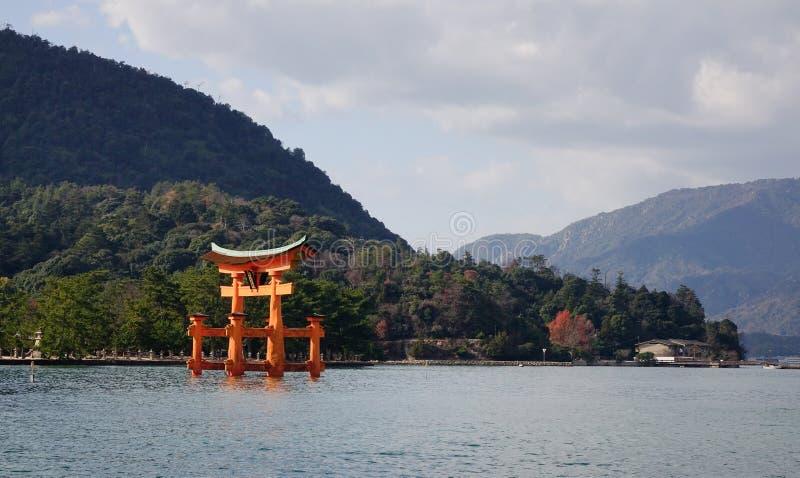 Reuzetorii op Miyajima-eiland, Japan royalty-vrije stock afbeeldingen