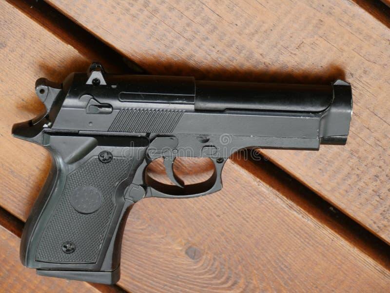 Revólver do preto da arma imagens de stock