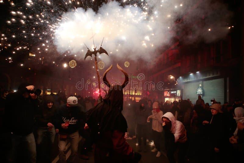 Revellers κατά τη διάρκεια των τοπικών εορτασμών προστατών Αγίου Sebastian στοκ φωτογραφίες με δικαίωμα ελεύθερης χρήσης